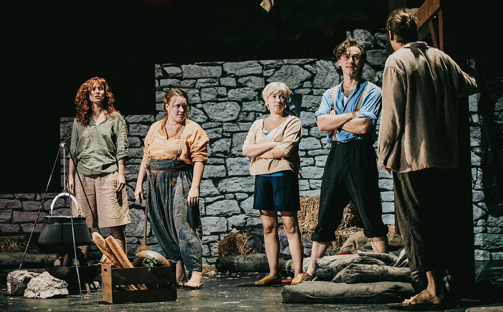 Die rote Zora und ihre Bande am Volkstheater Wien