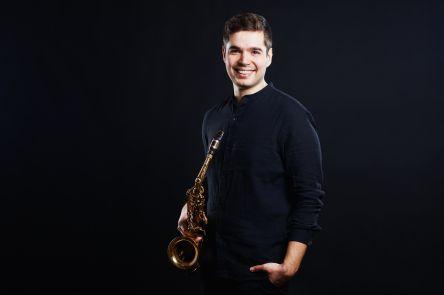 Marko Dzomba, Saxophon
