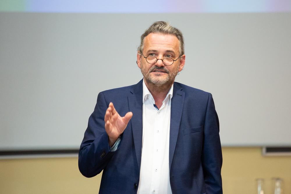 Johannes Meissl, künstlerischer Leiter der isa - Internationale Sommerakademie der mdw, bei der Eröffnung der isaScience 2019.
