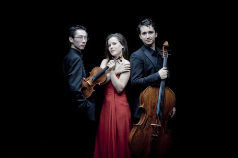 Amatis Piano Trio 00.jpg