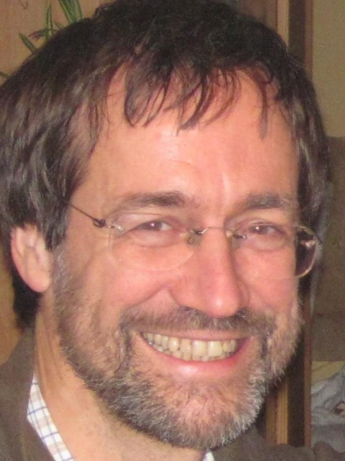 Dr. Bernhard Riebl