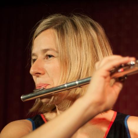 Portrait mit Flöte 1.jpg