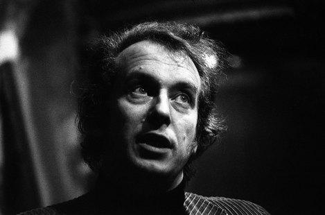 Foto: Dieter Schnebel 1975 in Paris_Foto Philippe Gras Alamy Stock Photo