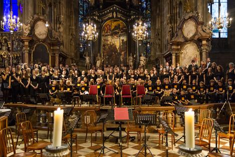 Mozartrequiem 2012 - Alle Chorgruppen und das Orchester im Stephansdom
