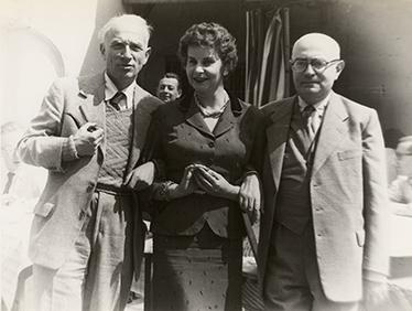 Foto: © Arnold Schönberg Center, Wien (Rudolf Kolisch, unbekannt, Theodor W. Adorno, Darmstadt, ca. 1960)