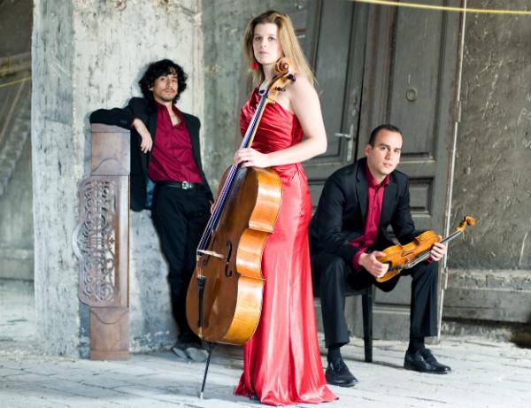 Acros Trio